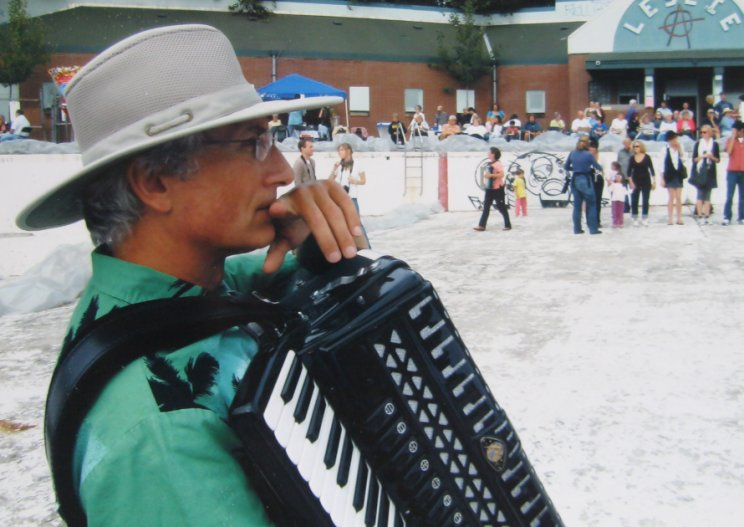 Accordion Pool Party